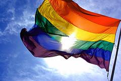 דגל הגאווה, קשת בענן, יוצאים מהארון